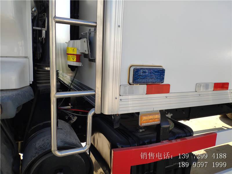 五十铃后八轮冷藏车-五十铃9.6米肉钩冷藏车价格-五十铃冷藏车厂家