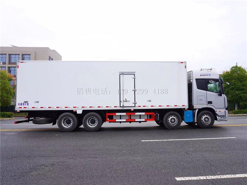 9米6福田欧曼EST前四后八自动档冷藏车厂家报价