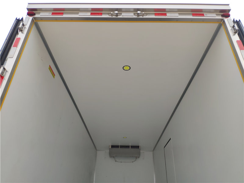 6米8东风天锦KR单桥冷藏车厂家价格参数