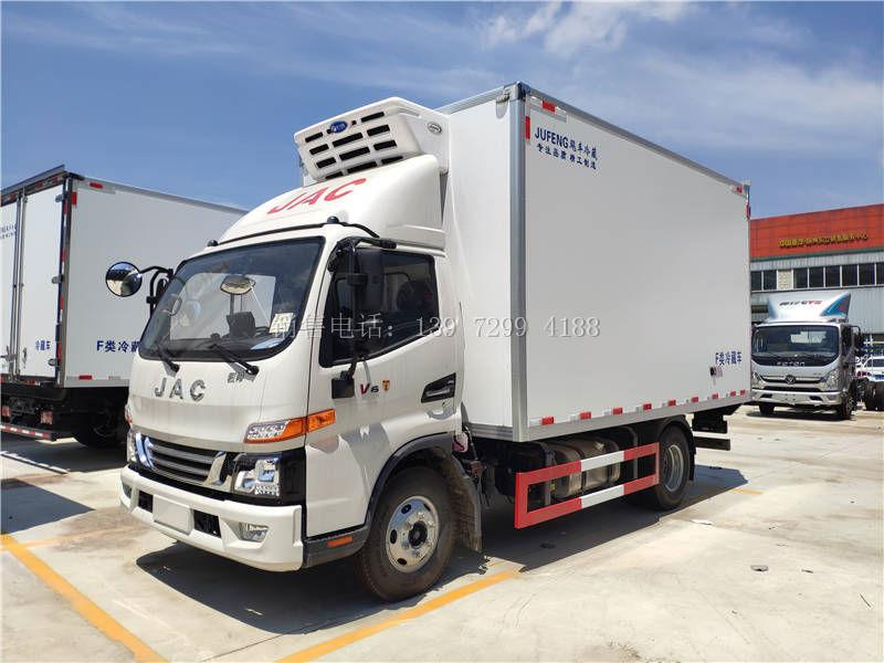 小型4米2蓝牌单排江淮骏铃V6肉钩冷藏车厂家价格配置参数多少钱一台