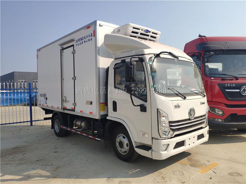 小型4米2蓝牌单排陕汽德龙K3000肉钩冷藏车厂家价格配置参数多少钱一台
